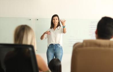 Day Louise - Curso de Comunicação Interna Positiva