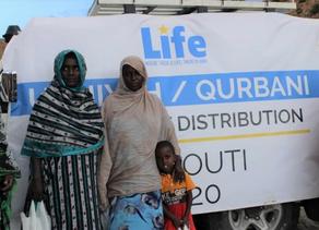 Life Distributes Udhiyah Meat in Djibouti