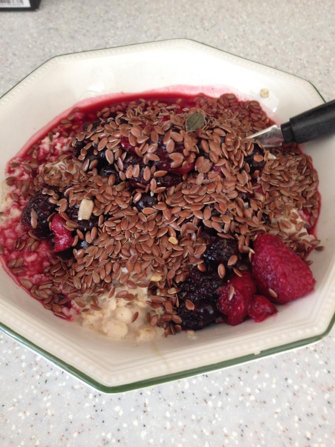 Recipe: Stress Free Oat & Mixed Berries Breakfast