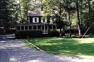 Lakefront Cottages Poconos PA