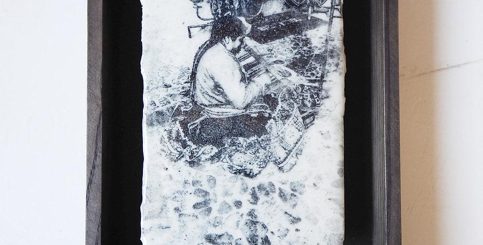 Femme au métier à tisser, 2019