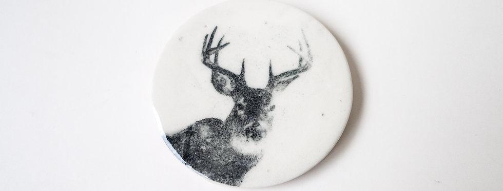 Plaque de porcelaine cerf