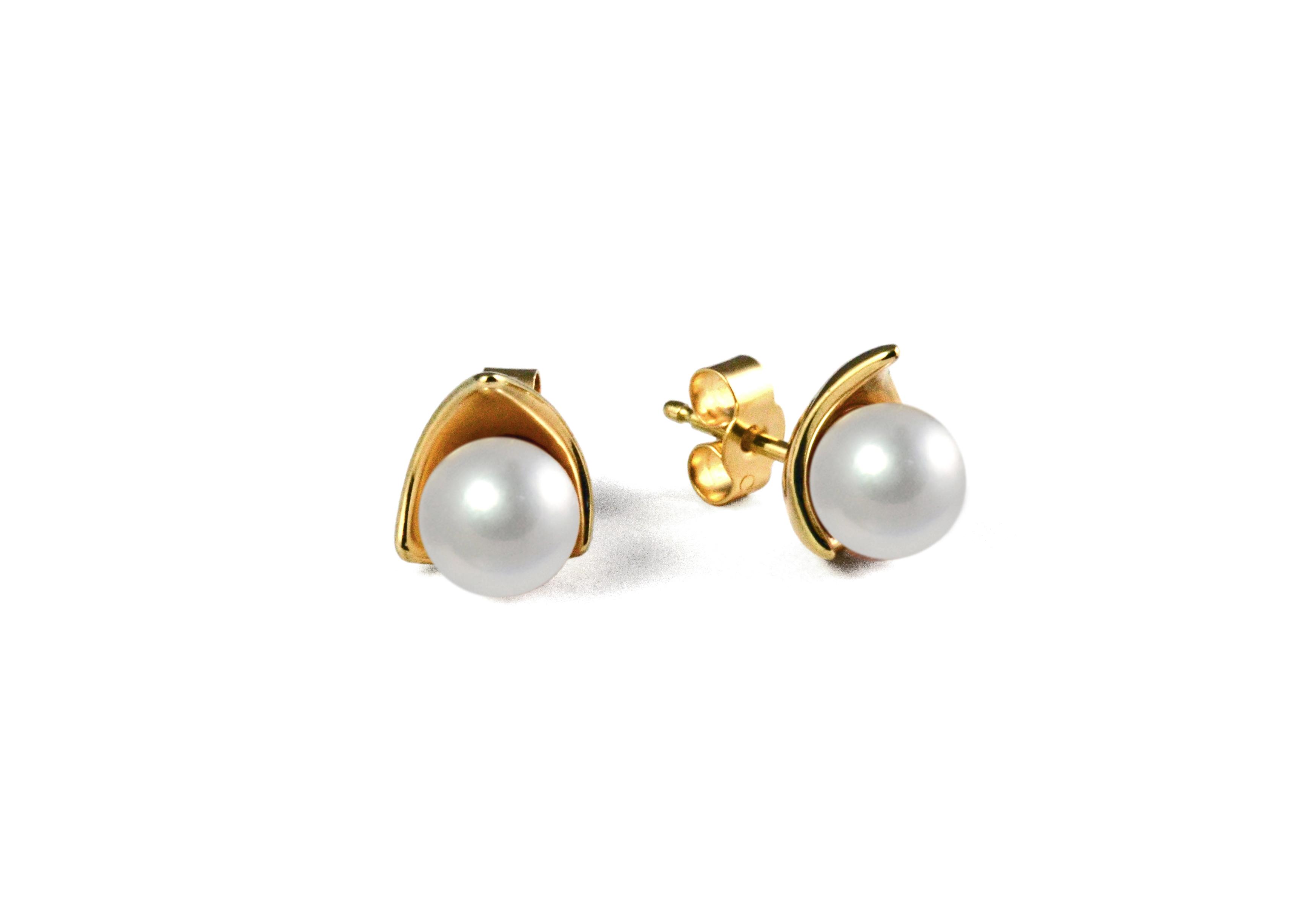 Pearl Drop studs