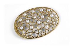 Contemporary pearl brooch