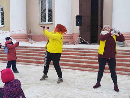 """Весёлая карусель"" у Дворца"