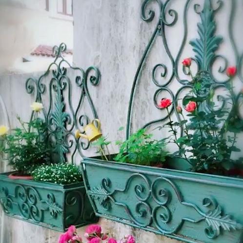Iron planter