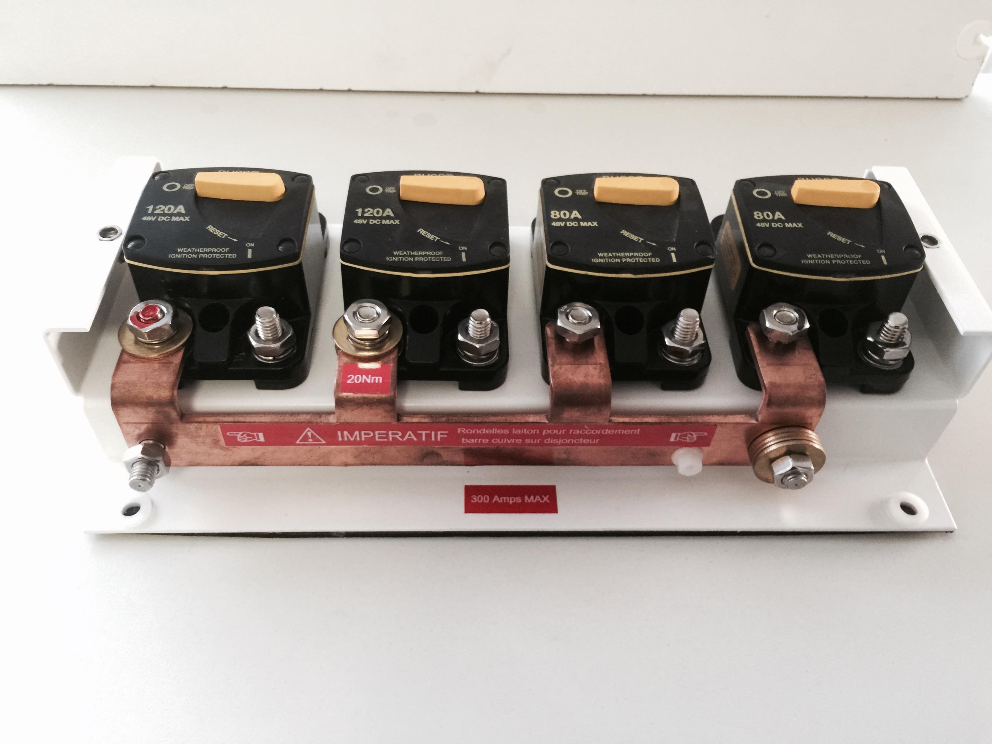 Barre cuivre sur disjoncteurs