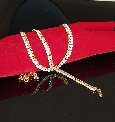 Anklets gold with sparking diamond's