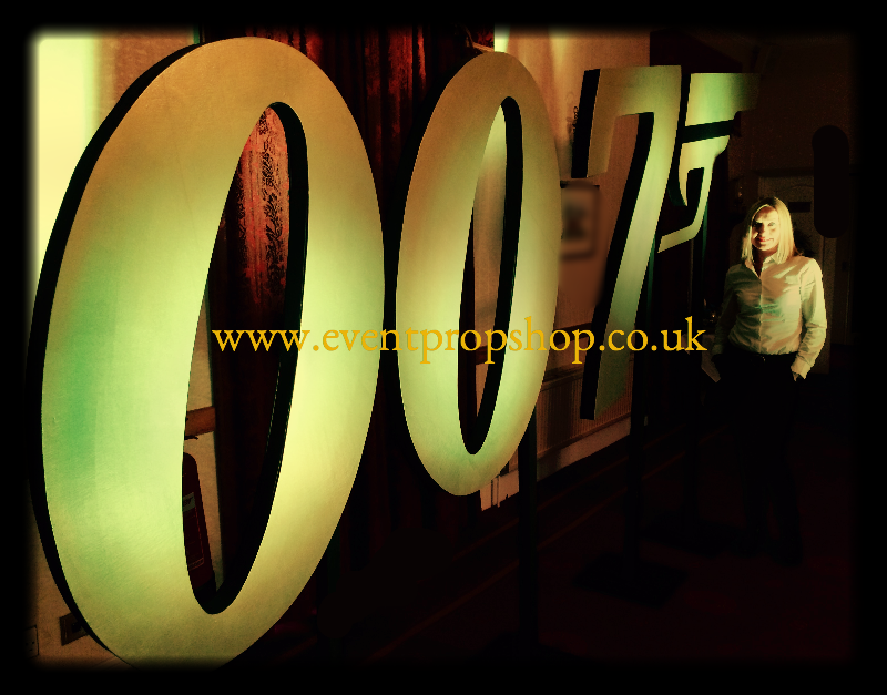 007 Logo Prop in Gold