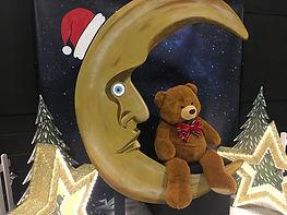 Crescent Moon Seat Prop
