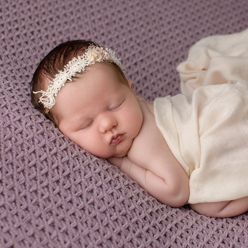 Newborn and Sitter Session (includes £50 product credit)