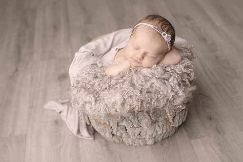 Newborn Photography Session PLUS £300 Credit