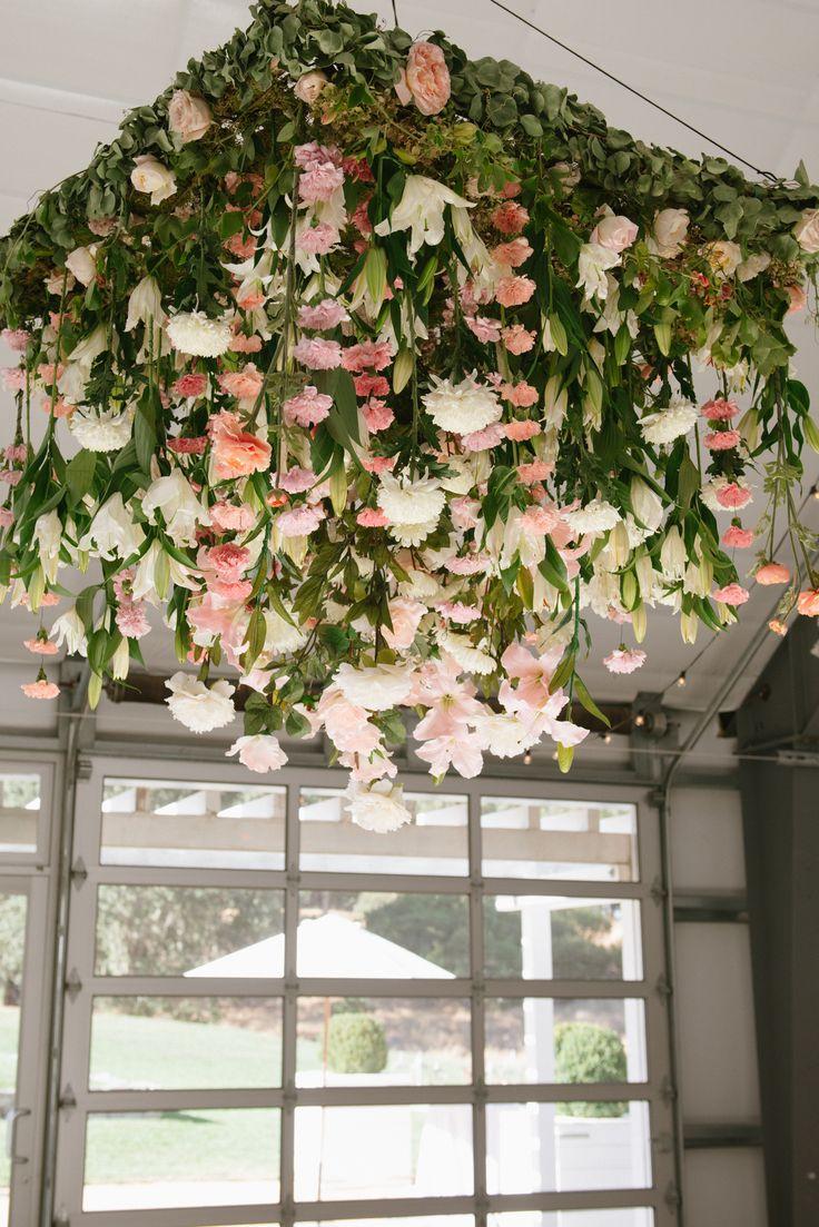Square hanging arrangement