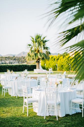 Tables-ready-for-wedding-at-Ktima-Reveli