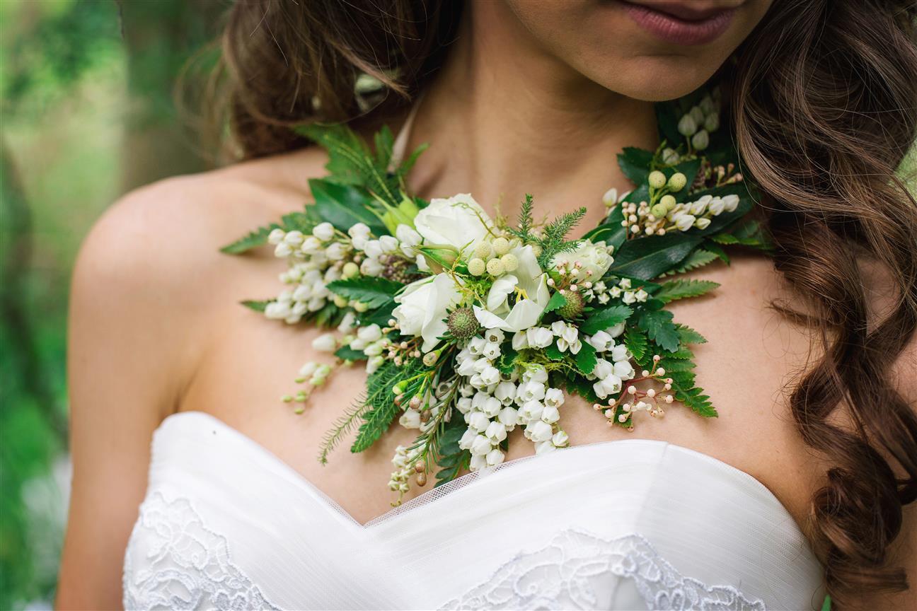 Floral bridal necklace trend 2018