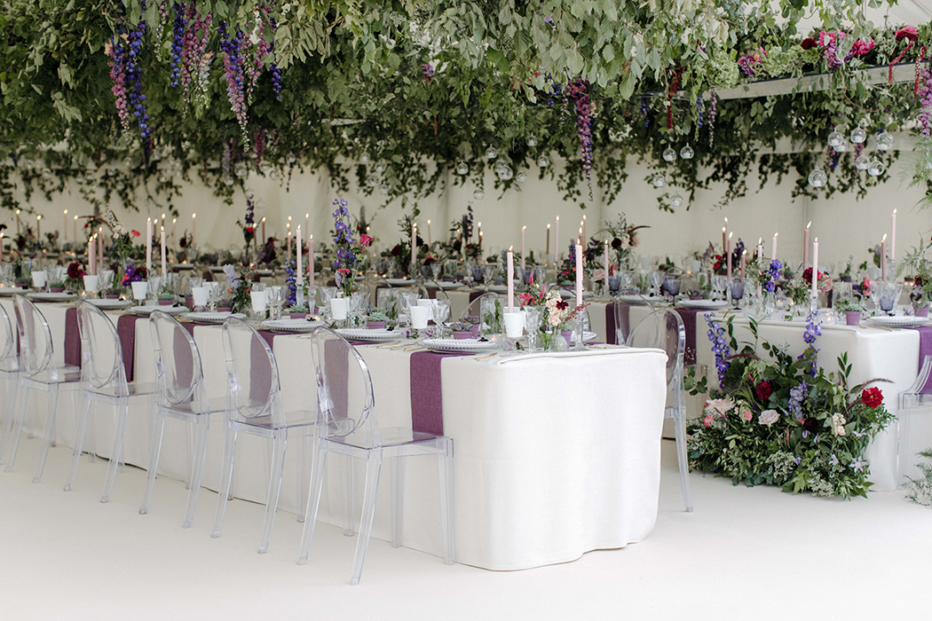 Hanging greenary wedding trends 2018
