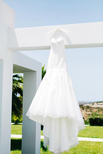 Wedding-dress-at-Ktima-Reveli