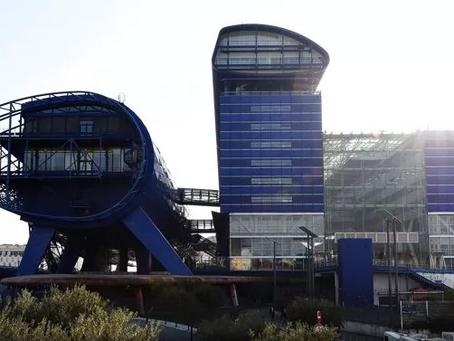 Marseille : Le « Vaisseau bleu » est-il le bâtiment le plus laid de la ville ?