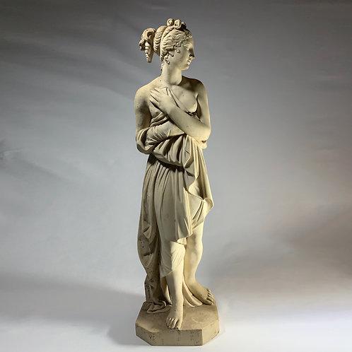 Statue Aphrodite sortant du bain