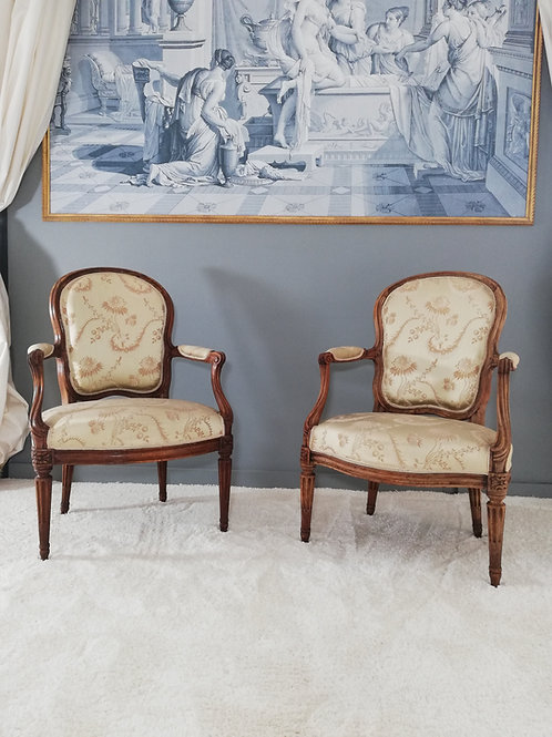 Sené Jean-Baptiste et Chevigny Claude: rare paire de fauteuils Transition, 1770