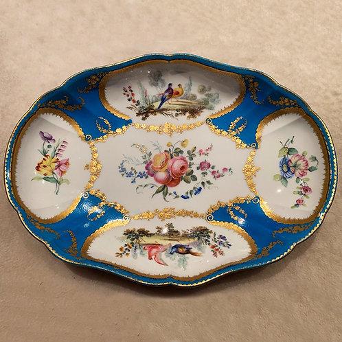 Jatte polylobée en porcelaine de Sèvres