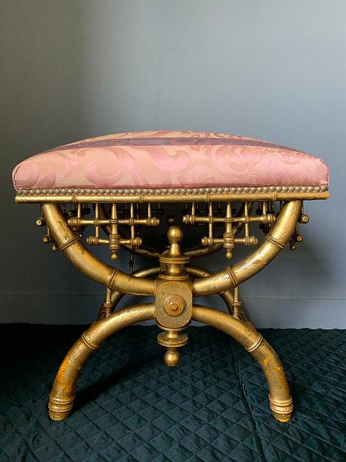 Tabouret Curule en bois sculpté et doré d'époque Napoléon III.
