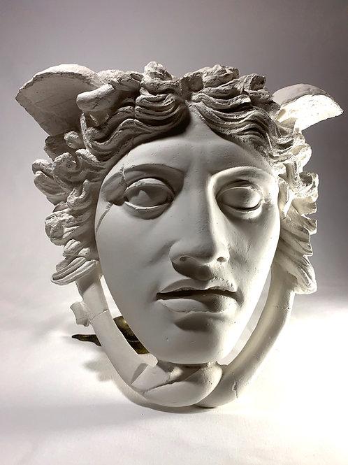 Masque de Méduse ( une des trois gorgones ) en plâtre