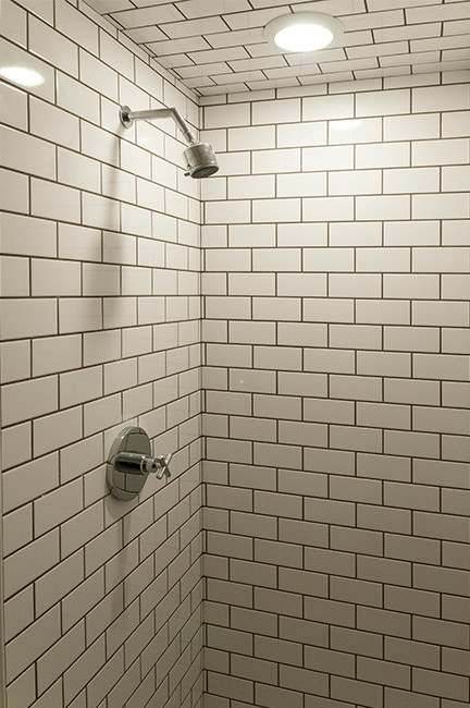   Field Tile: White 3 x 6        Tile Pattern: 1/2 Offset        Accent Liner: None        Grout: Pewter  