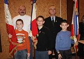 les_trois_jeunes_portes_drapeaux.jpg
