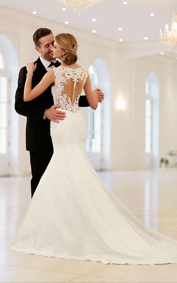 lace-keyhole-back-wedding-dress-wedding-