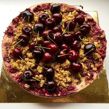 Cherry marzipan cheesecake 🍰  #cherrybo