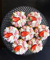 Mango strawberry yuzu mousse cakes 🍋🍓?