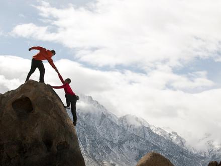 攀登屬靈山峰