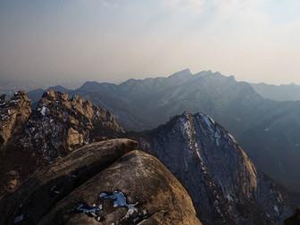 Seoul's highest peak - Climbing Bukhansan