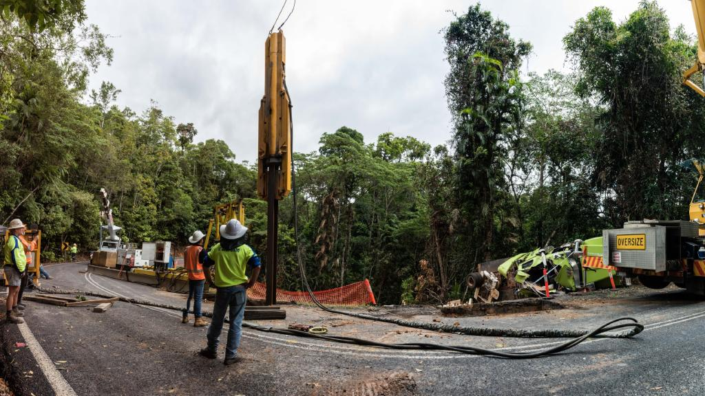 Gillies Range Road piling works
