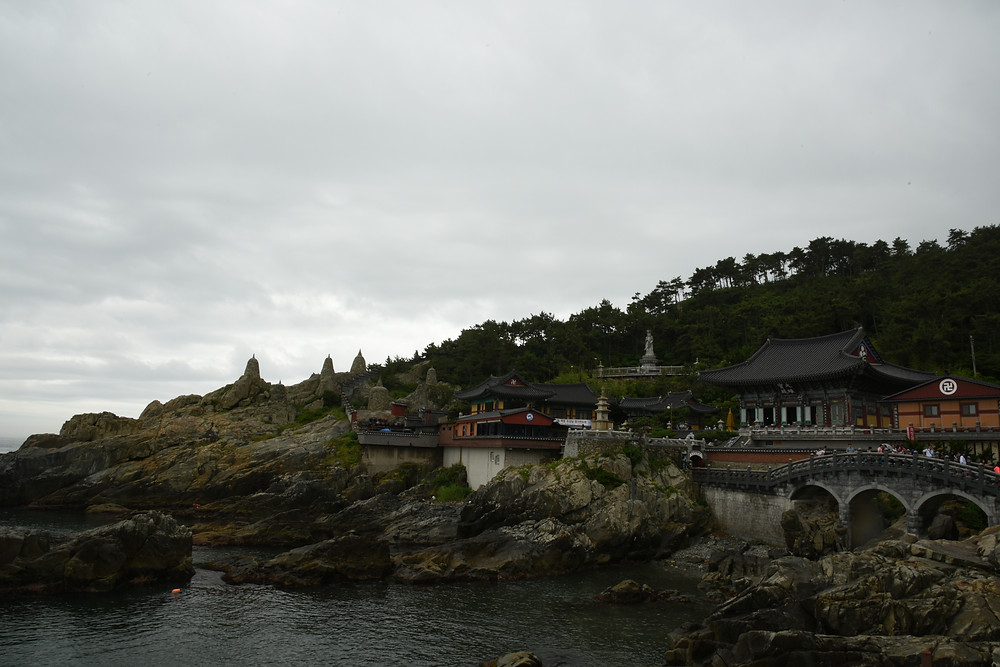 Haedong Yonggungsa Temple (해동 용궁사) Busan, South Korea - Life Iitinerant
