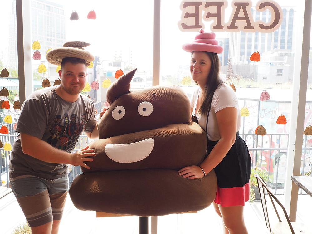 또옹카페 (Poop Cafe), Insadong, South Korea - Life Itinerant