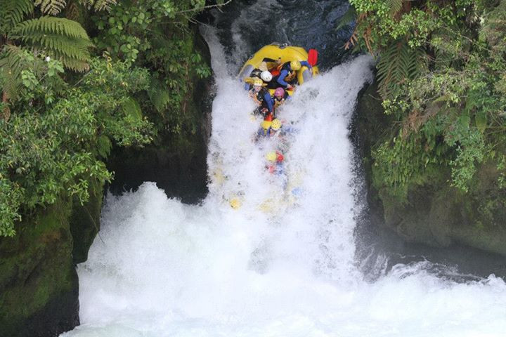 Rafting the mighty Kaituna, highest commercialy rafter waterfall in the world - Rotorua, New Zealand - Life Itinerant