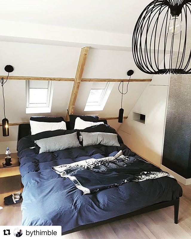 Verlichting prachtig toegepast in de slaapkamer; plaatje! _#Repost _bythimble ・・・_WORK] Ze hebben va