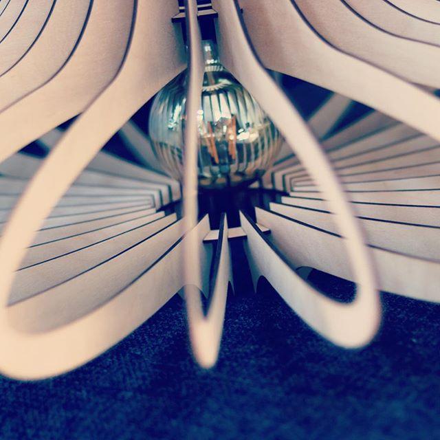 Vandaag weer iemand kunnen verblijden met een prachtige lamp voor op de slaapkamer_ bijna zonde om h