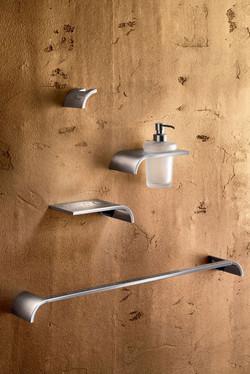 Inda Casta Bathroom Accessories