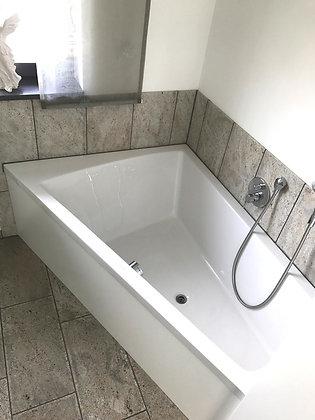Duravit Paiova Freestanding Corner Left Bathtub 700264