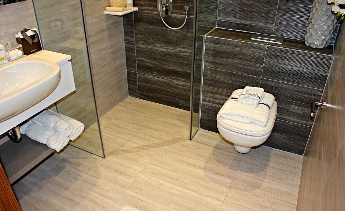 Trilive Condo Bathroom
