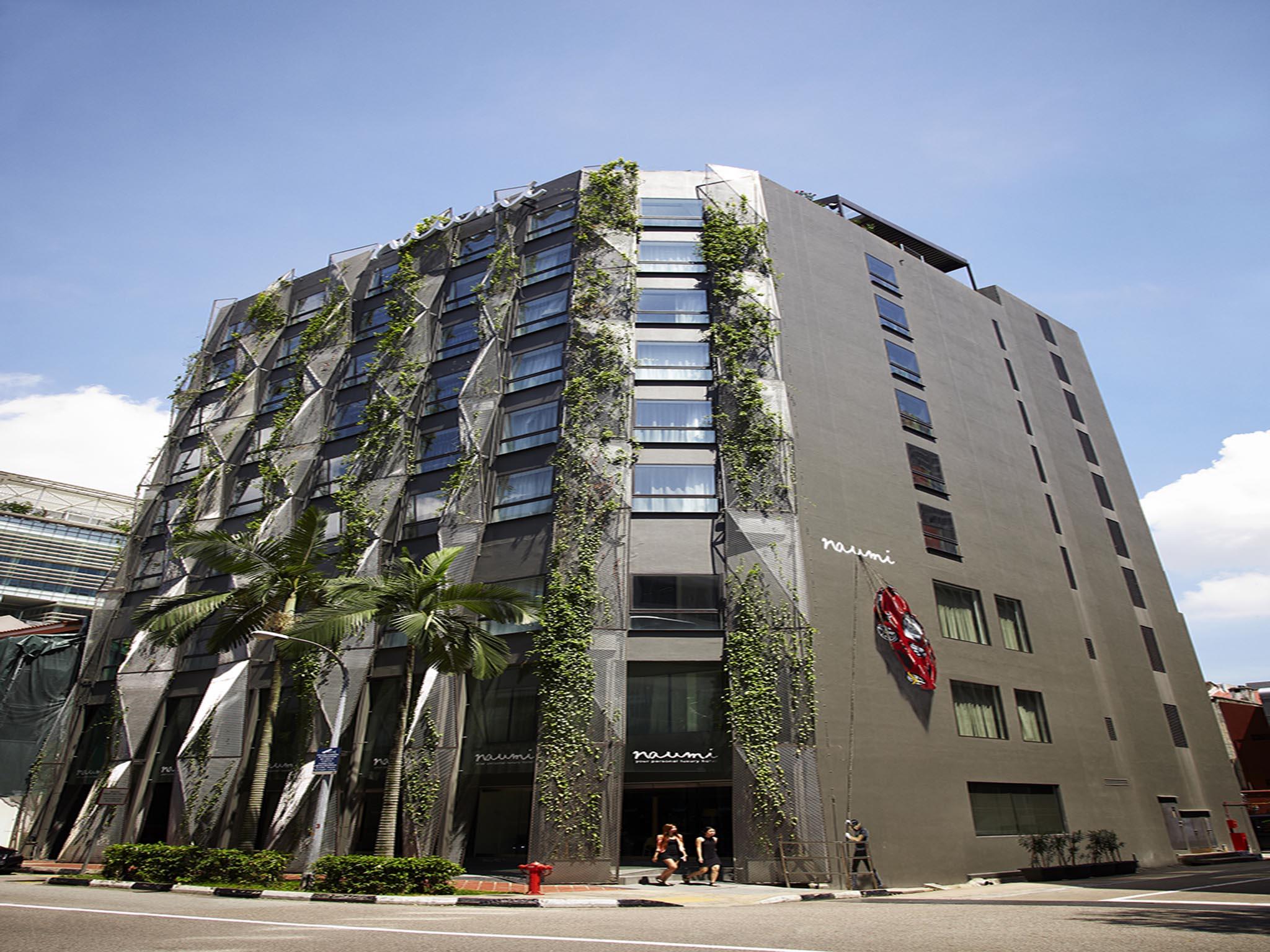 ferrara-contemporary-bathroom-singapore-project-reference-naumi-hotel-crestial