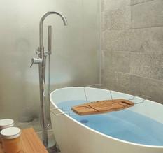 Crestial Eins+ Free Standing Bath Mixer with Handshower