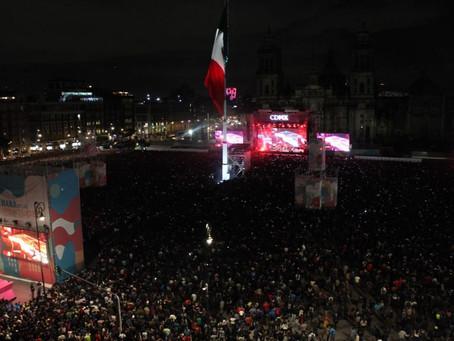 Entre aplausos, gritos y canciones Caifanes reúne a 120 mil personas en el Zócalo