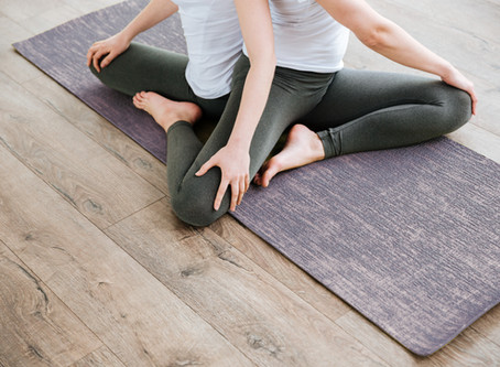 5+ Yoga Poses to Strengthen Relationships