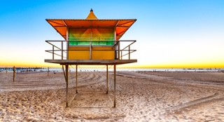 Glenelg Lifeguard Tower.jpg
