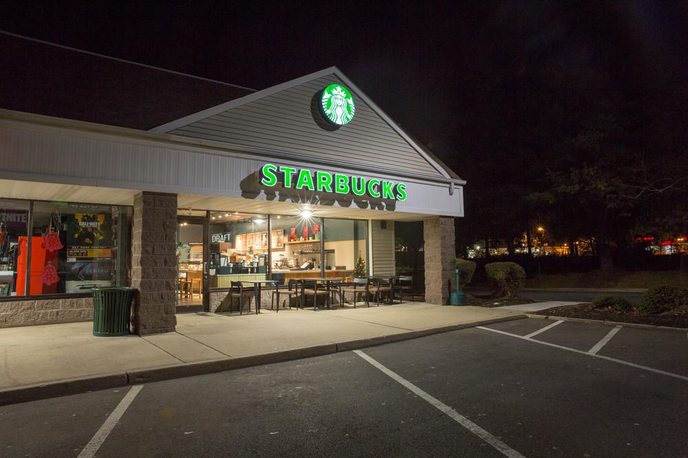 Starbucks-freehold-construction