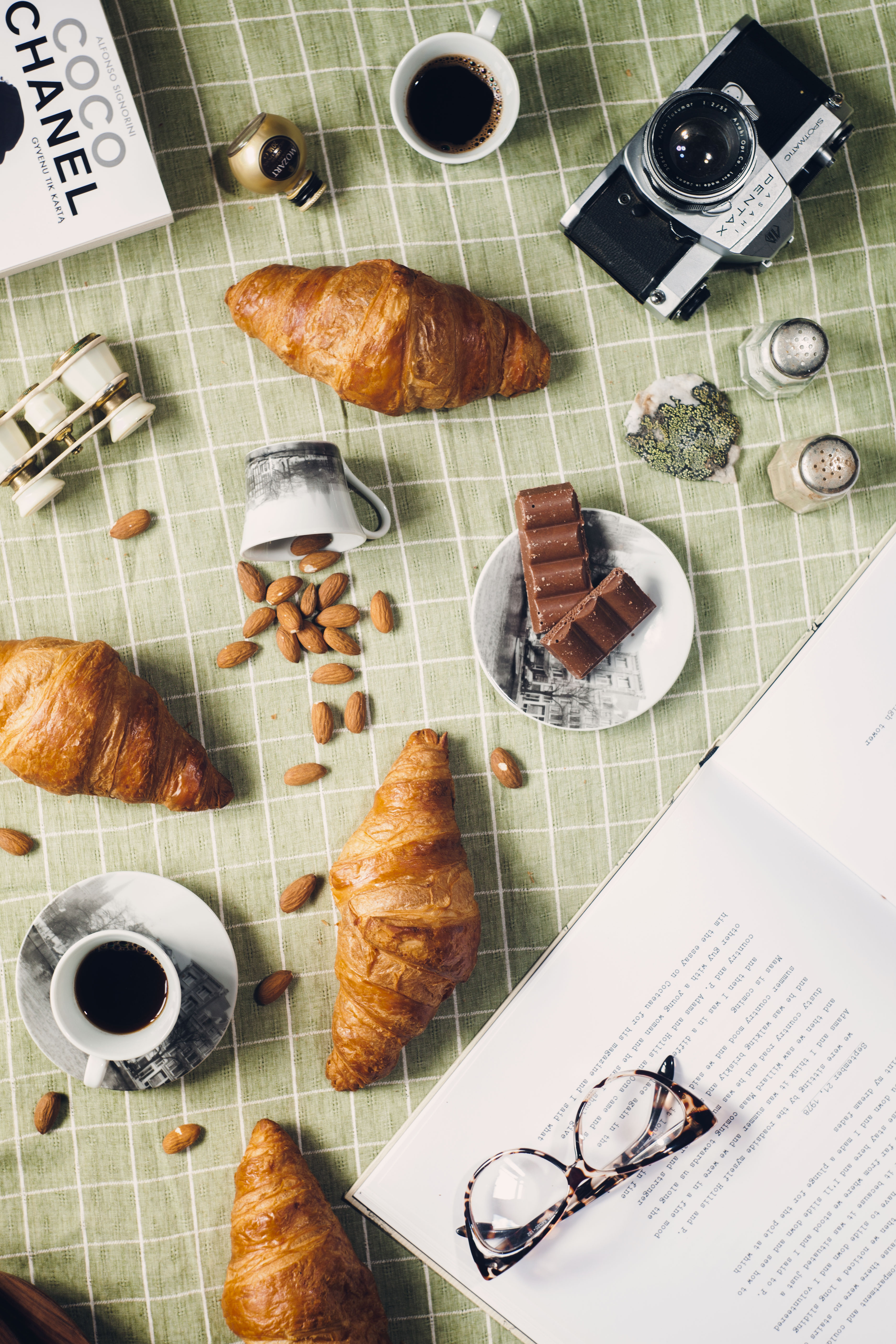 breakfast flatlay Croissants Coffee